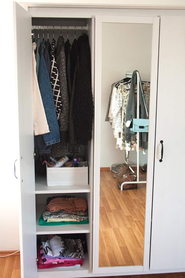 gunstiger kleiderschrank ikea. Black Bedroom Furniture Sets. Home Design Ideas