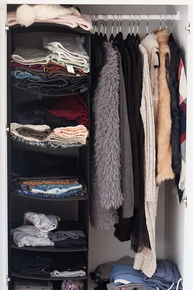 Ikea Drehstuhl Malkolm Test ~ Günstiger begehbarer Kleiderschrank, Ikea  Fee Schoenwald Modeblog