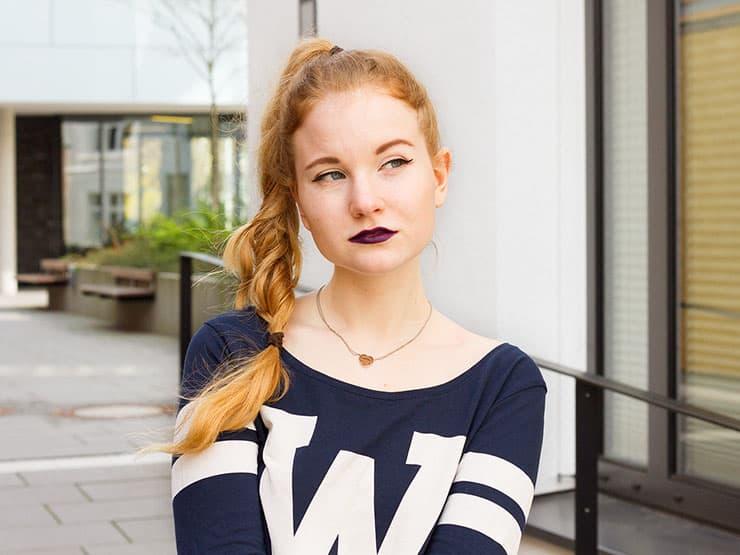 Weiße Netzstrumpfhose kombinieren Alltag Outfit Collegestyle
