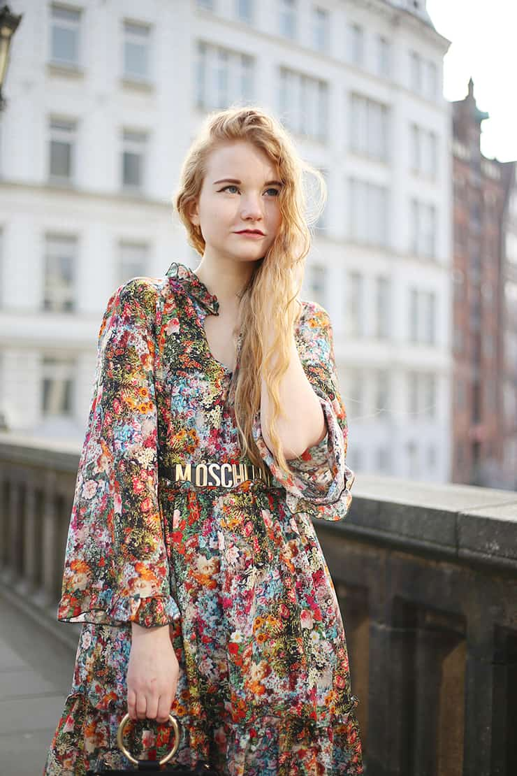 Modeblog Oldenburg Maxikleid Winter Outfit Blumen Chloe Lookalike Tasche Cutout Boots