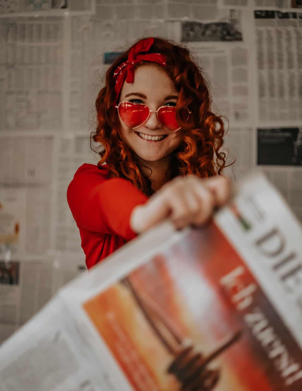 Zeitungspapier günstige Fotos zuhause Low Budget Fotografie Fee Schoenwald